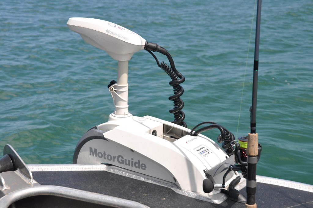 Trolling motors linked to VesselView and Simrad displays